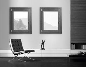 ambiente_interno_arredato_con_infissi_in_legno_naturale_finnova